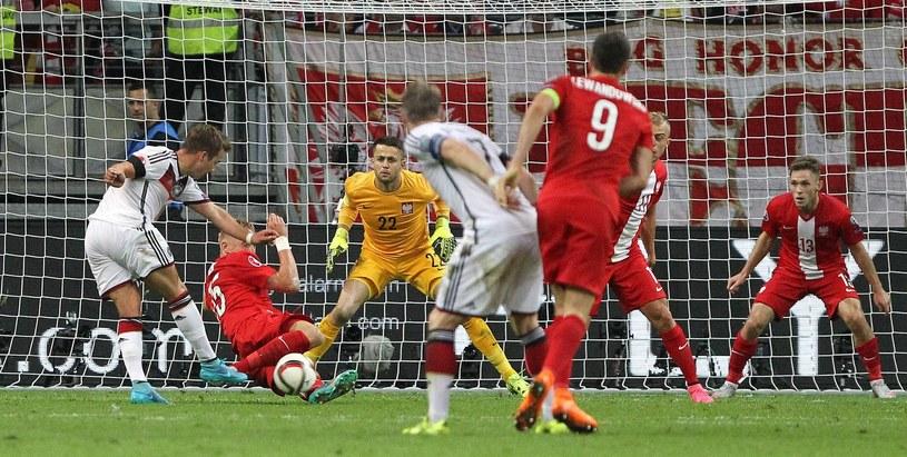 W eliminacjach Euro 2016 Polacy u siebie pokonali Niemców 2-0, ale w rewanżu przegrali 1-3 /AFP