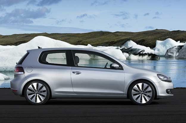 W Europie najlepiej sprzedającym się samochodem jest volkswagen golf /
