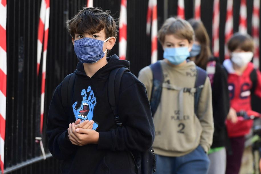 W Europie Zachodniej sytuacja epidemiczna jak na razie się stabilizuje /CAROLINE BLUMBERG /PAP/EPA
