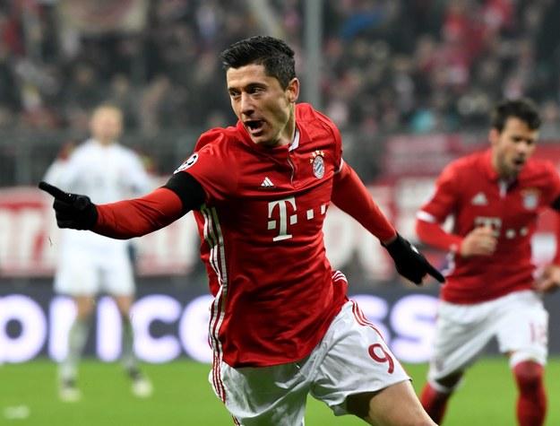 W fazie grupowej Champions League zagrało łącznie 20 biało-czerwonych piłkarzy /PETER KNEFFEL /PAP/EPA