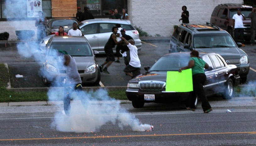 W Ferguson od tygodnia trwają zamieszki /PAP/EPA