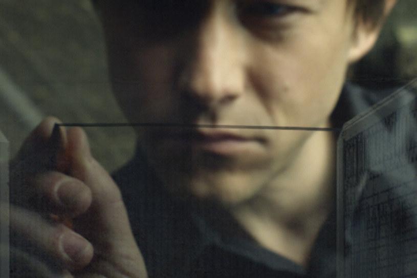 W filmie przedstawiamy historię z perspektywy Petita - dosłownie i w przenośni, przekonuje reżyser, Robert Zemeckis /materiały dystrybutora