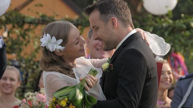 """W filmie """"Śliwowica"""" wrócimy do podwójnego wesela w """"Pierwszej miłości"""" /ATM Grupa /materiały prasowe"""
