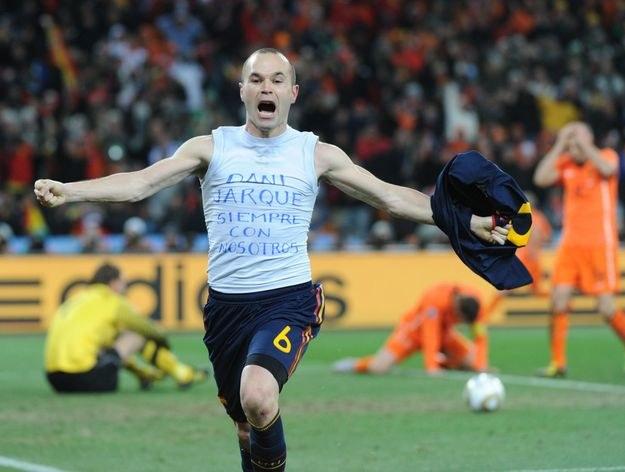 W finale MŚ w RPA Hiszpanie wygrali 1-0 po bramce Iniesty /AFP
