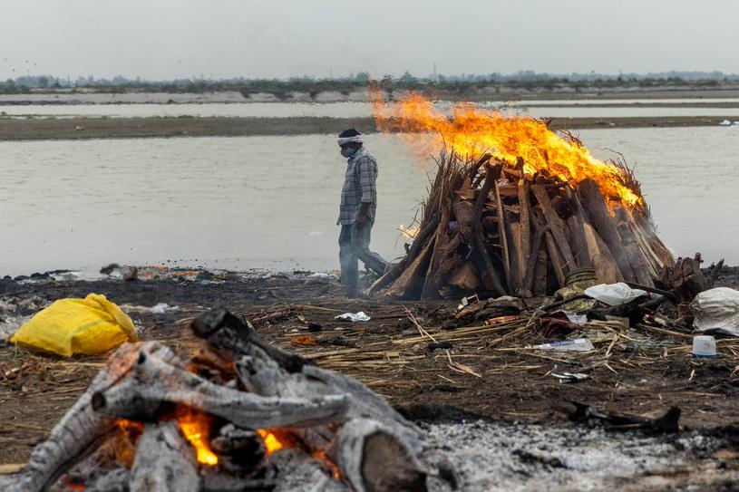 W Gangesie unosiły się ciała zmarłych /Agencja FORUM
