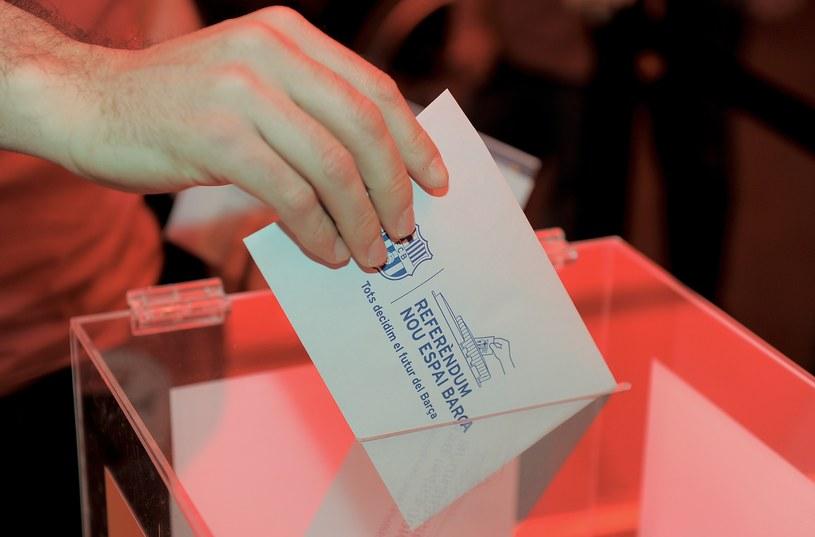 W głosowaniu opowiedziano się za przebudową Camp Nou /AFP