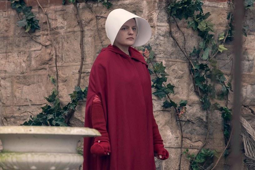 W główną rolę w serialu wciela się Elizabeth Moss /HBO