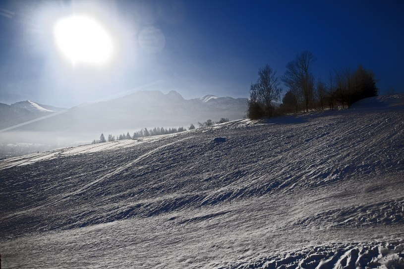 W góach zimowo, widok na Giewont /Marek Lasek /Reporter