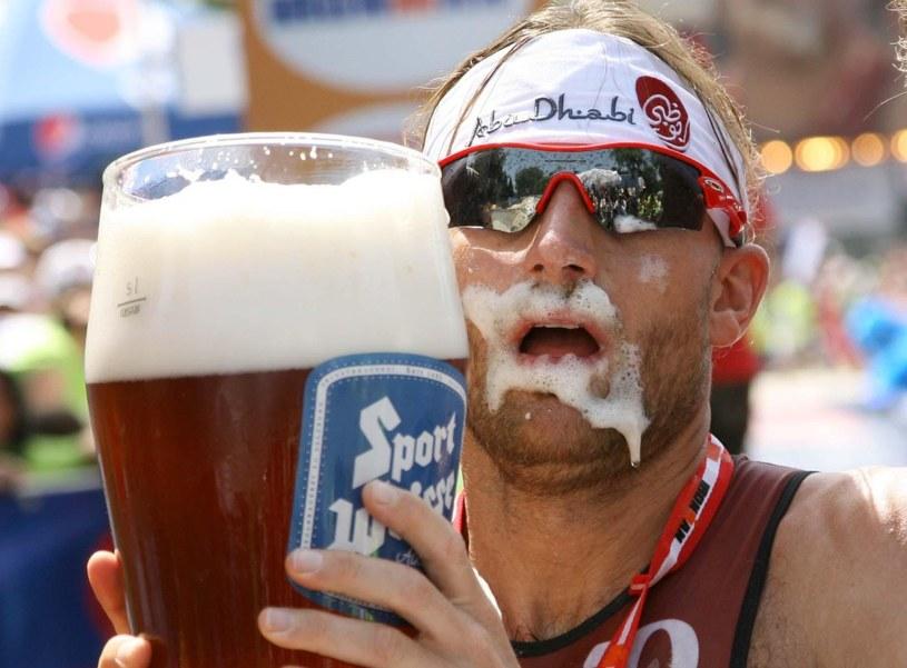 W gorący dzień, mało napojów smakuje tak dobrze, jak piwo /AFP