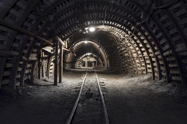 W górnictwie będą zwolnienia, zmniejszenie zatrudnienia to konieczność /©123RF/PICSEL