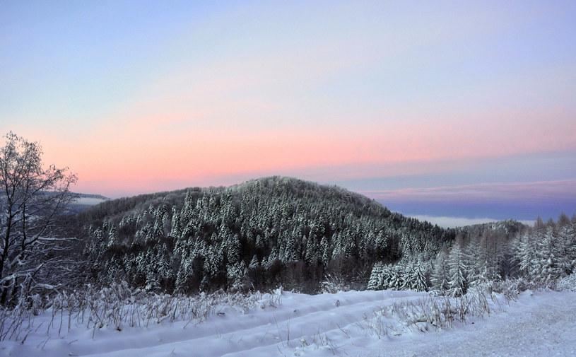 W górnych partiach leży średnio 50-60 cm śniegu /Wojciech Zatwarnicki /Reporter