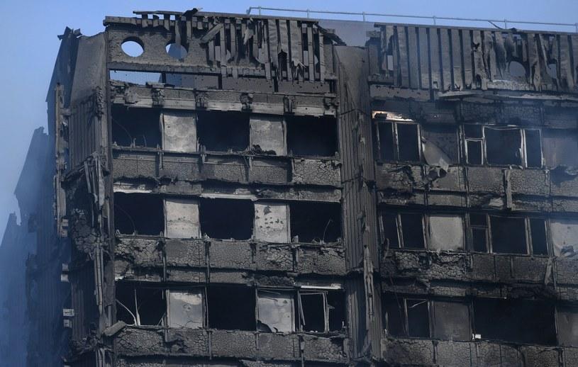 W Grenfell Tower nie ma już żywych - twierdzi londyńska straż pożarna /FACUNDO ARRIZABALAGA /PAP/EPA