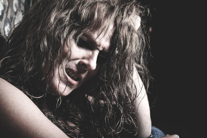 W grupie kobiet, którym udowodniono znęcanie się nam dziećmi przeważają zaburzenia typu borderline /123RF/PICSEL