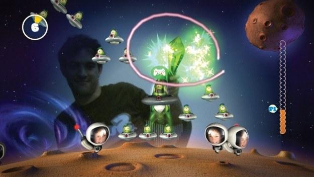 W grze możemy przetestować swoje bojowe umiejętności na wypadek prawdziwego ataku kosmitów /Informacja prasowa