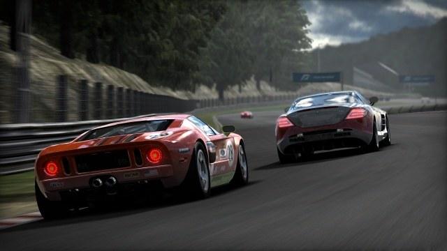 W grze uświadczymy realistyczny model prowadzenia aut oraz widowiskowy system kolizji i zniszczeń /INTERIA.PL