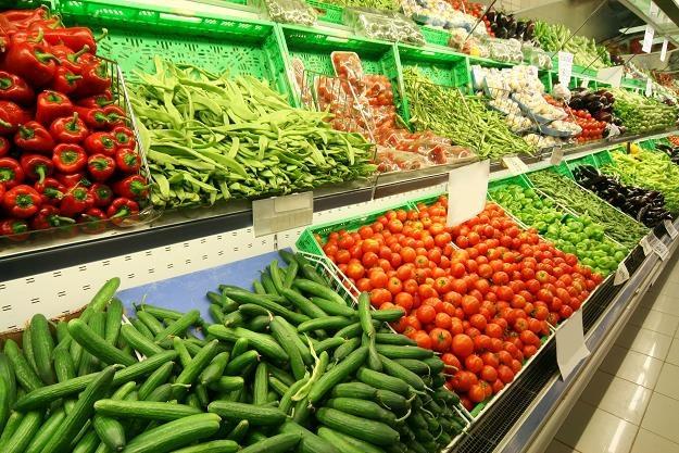 W hipermarketach za koszyk wybranych 12 warzyw zapłacimy ok. 50 zł /©123RF/PICSEL