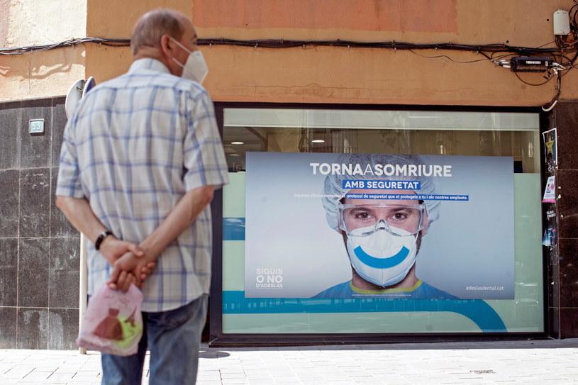 W Hiszpanii odnotowano duży wzrost zakażeń koronawirusem. /MARTA PEREZ /PAP/EPA