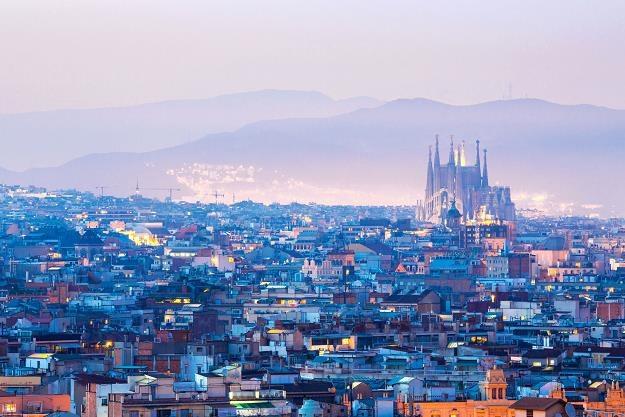 W Hiszpanii - szczególnie na Balearach i w Barcelonie - mają dość turystów /©123RF/PICSEL