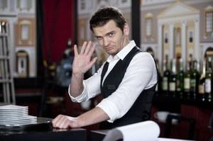 """W """"Hotelu 52"""" Kuba nie tylko gra, ale pełni też funkcję drugiego reżysera /    /Polsat"""