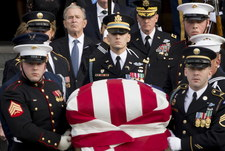 W Houston rozpoczęło się nabożeństwo żałobne George'a H. W. Busha