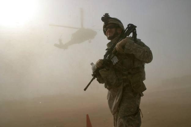 W jaki jeszcze sposób można zwiększyć zdolności bojowe żołnierzy? /AFP
