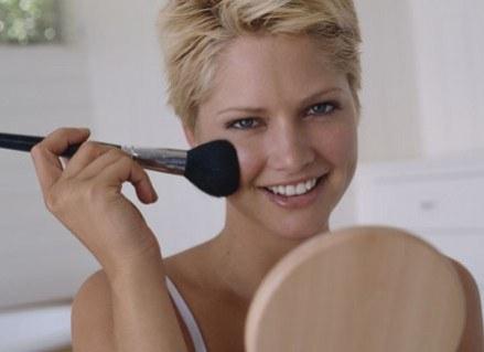 W jaki sposób dbać o skórę, by zawsze wyglądać super? /ThetaXstock