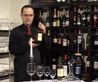 W jaki sposób degustować wino?
