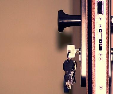W jaki sposób zabezpieczyć siedzibę firmę przed włamaniem?