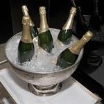 W jakich kieliszkach pić szampana?