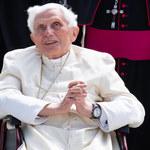 W jakim stanie jest Benedykt XVI? Jego sekretarz odpowiada na pogłoski