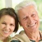 W jakim wieku osiągamy zadowolenie z życia? Są wyniki badań