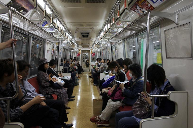 W japońskich środkach komunikacji kobiety mogą poczuć się niekomfortowo /123RF/PICSEL