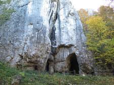 W jaskini koło Ojcowa odkryto szczątki 12-latki. W ustach miała czaszkę zięby
