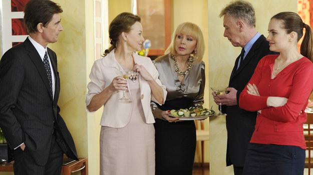 W jeden ze świątecznych dni Monika (Izabela Trojanowska) zaprosi rodzinę do siebie / fot. Niemiec /AKPA