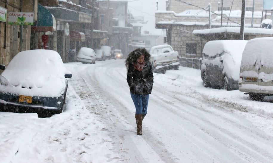 W Jerozolimie spadło 40 cm śniegu /ATEF SAFADI  /PAP/EPA