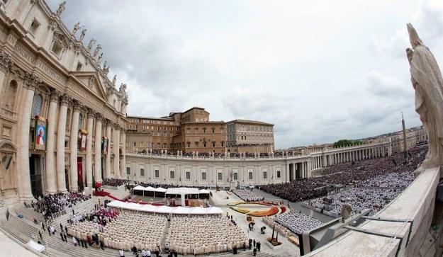 W kanonizacji wzięło udział 800 tys. pielgrzymów /CLAUDIO PERI /PAP/EPA