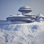 """W Karkonosze wróciła zima. """"Trzeba być dobrze przygotowanym na te warunki"""""""