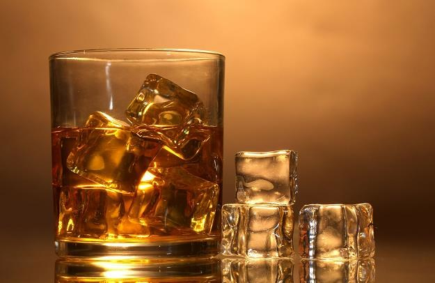 W karnawale Polacy wypili więcej alkoholu /©123RF/PICSEL