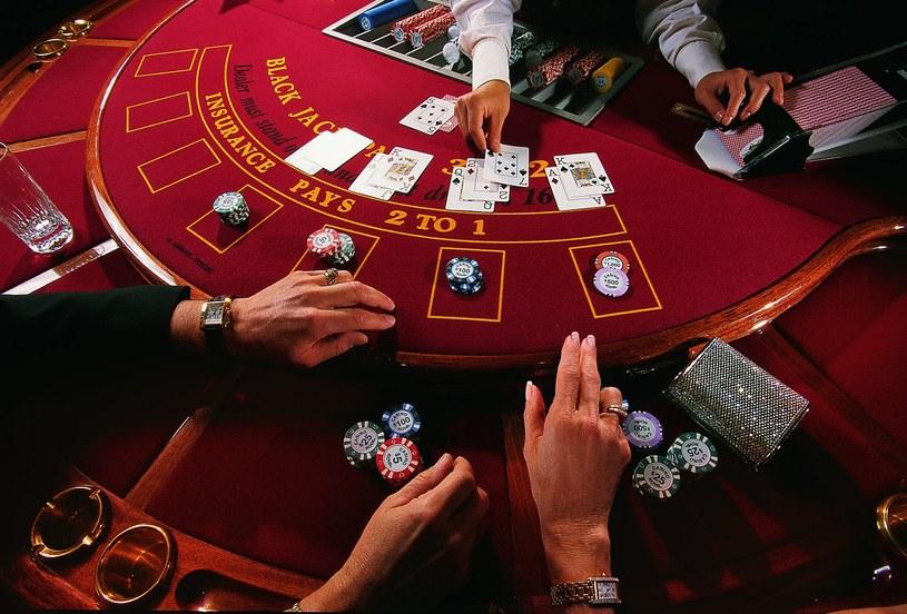 W kasynie się nie zarabia. Tam się bywa /123RF/PICSEL