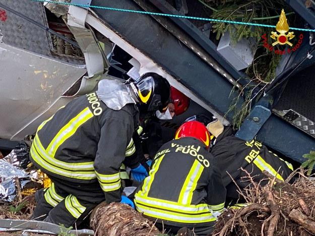 W katastrofie kolejki górskiej zginęło 14 osób /ITALIAN FIRE AND RESCUE SERVICE /PAP/EPA