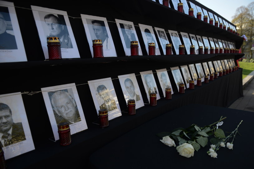 W katastrofie samolotu prezydenckiego pod Smoleńskiem zginęło 96 osób /Jakub Kamiński   /PAP