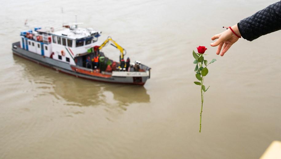 W katastrofie zginęło co najmniej 7 osób. /Balazs Mohai /PAP/EPA
