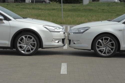 W każdym położeniu pneumatyczne zawieszenie w CrossTourerze jest wyższe o 1,5 cm. /Motor