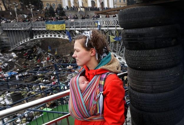 W Kijowie barykady na Majdanie wciąż stoją /MAXIM SHIPENKOV    /PAP/EPA
