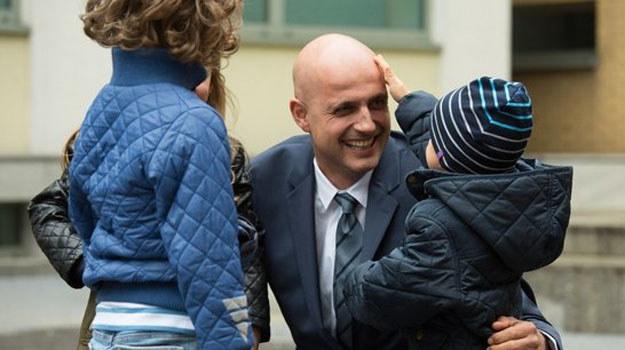 W końcu doktor Konica znów chwyci dzieci w ramiona! /www.nadobre.tvp.pl/