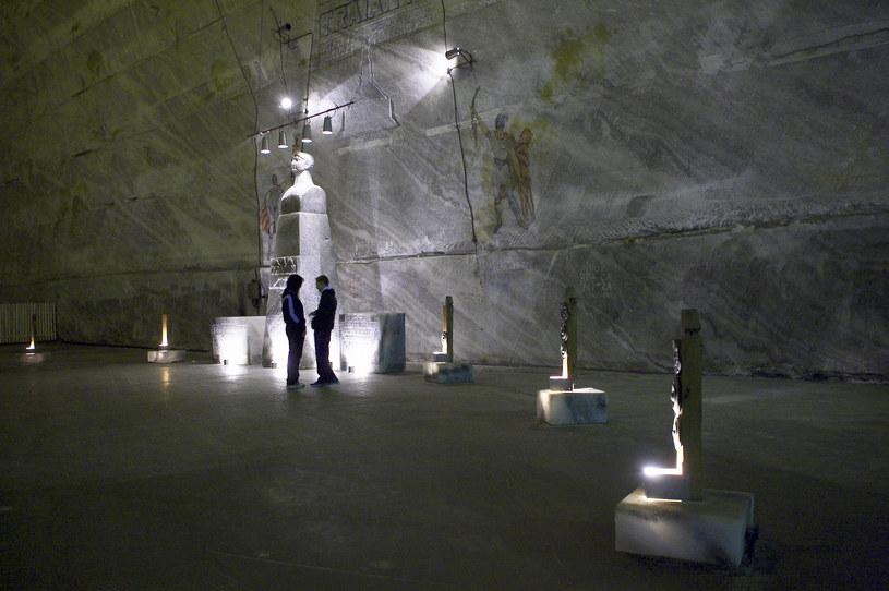 W kopalni znajduje się również Genesis Hall z solnymi pomnikami dawnych królów i władców starożytnej Dacji /Thierry Tronnel/Corbis  /Getty Images