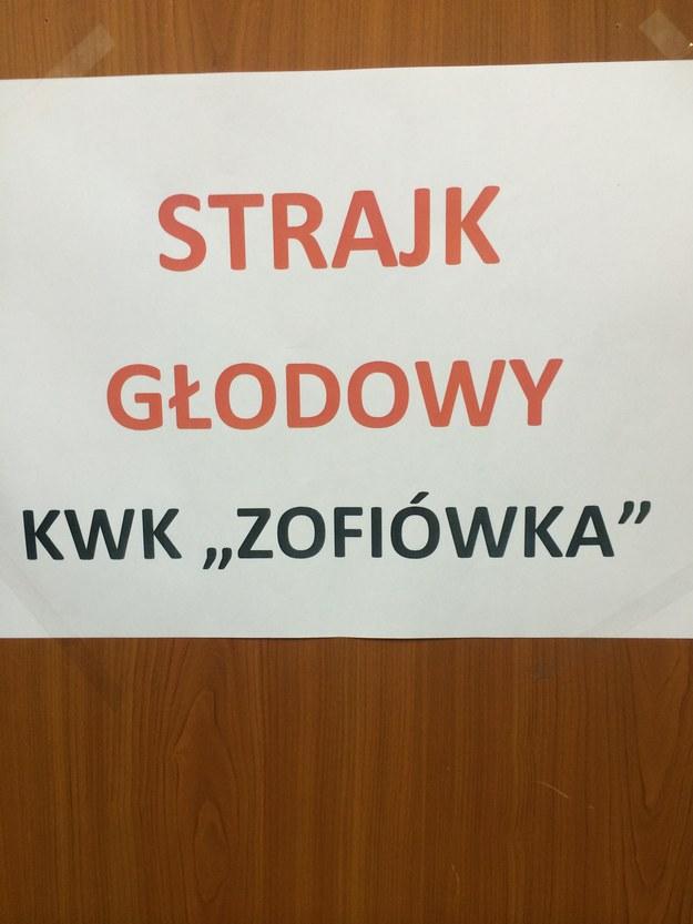 W kopalni Zofiówka głodówkę prowadzi 10 górników /Marcin Buczek /RMF FM