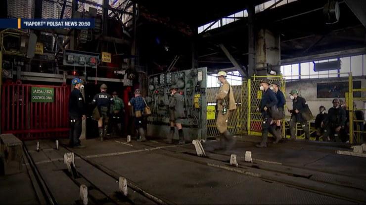 W kopalniach na Śląsku ruszyło odliczanie do wydobycia ostatniej tony węgla /Polsat News