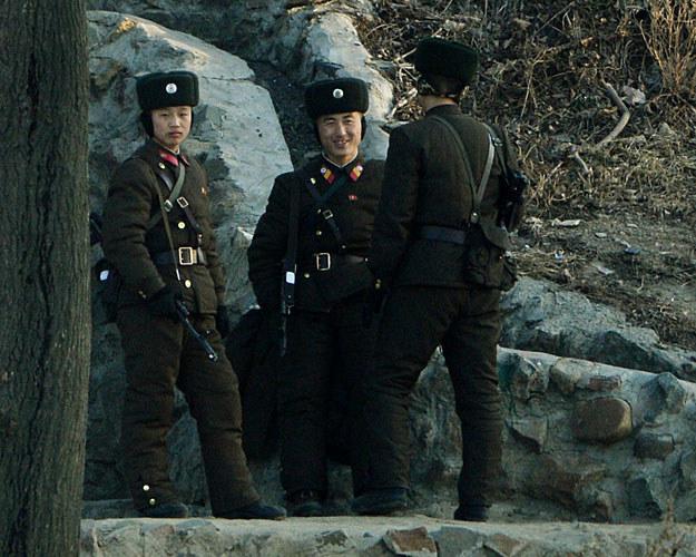W Korei Północnej służba wojskowa trwa 10 lat fot. Mark Ralston /AFP