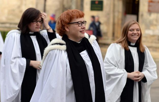 W Kościele anglikańskim kobiety założyły koloratki 20 lat temu / Nigel Roddis    /PAP/EPA
